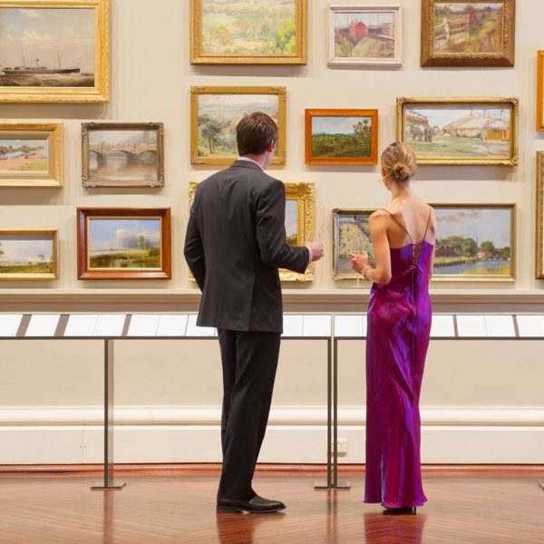 Art Dealer Tries to Paint a Different Picture of Her Income